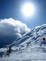 Italský skiareál Paganella s lyžaři